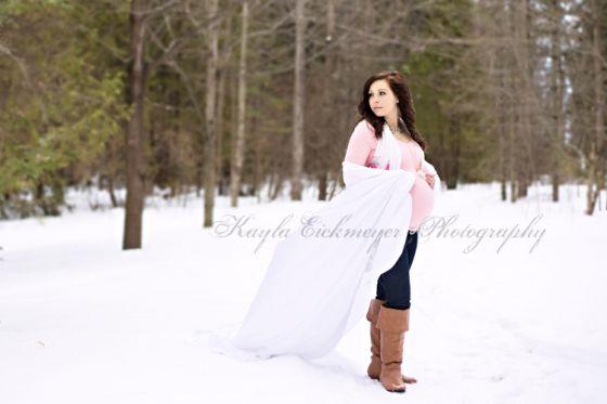 2dd783f5da6df Kayla Eickmeyer Photography :: Menominee Mi Maternity Photographer :: all  natural light :: maternity portraits :: outdoors :: winter :: snow ::  pastels