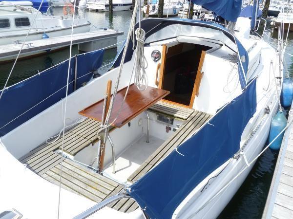 Albin vega boats pinterest vegas and boating for Boat interior restoration near me