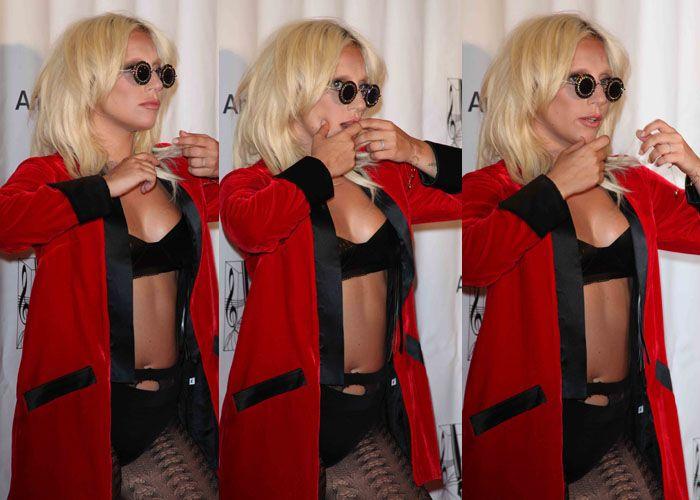 Lady Gaga at Formal Awards Night in Undies and Flatforms Lady gaga - formal memo