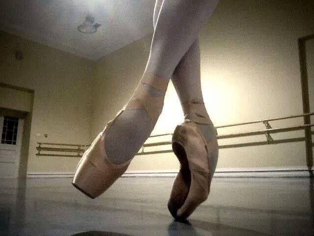 Só Bailarinos. www.facebook.com.br  a52f48885d0