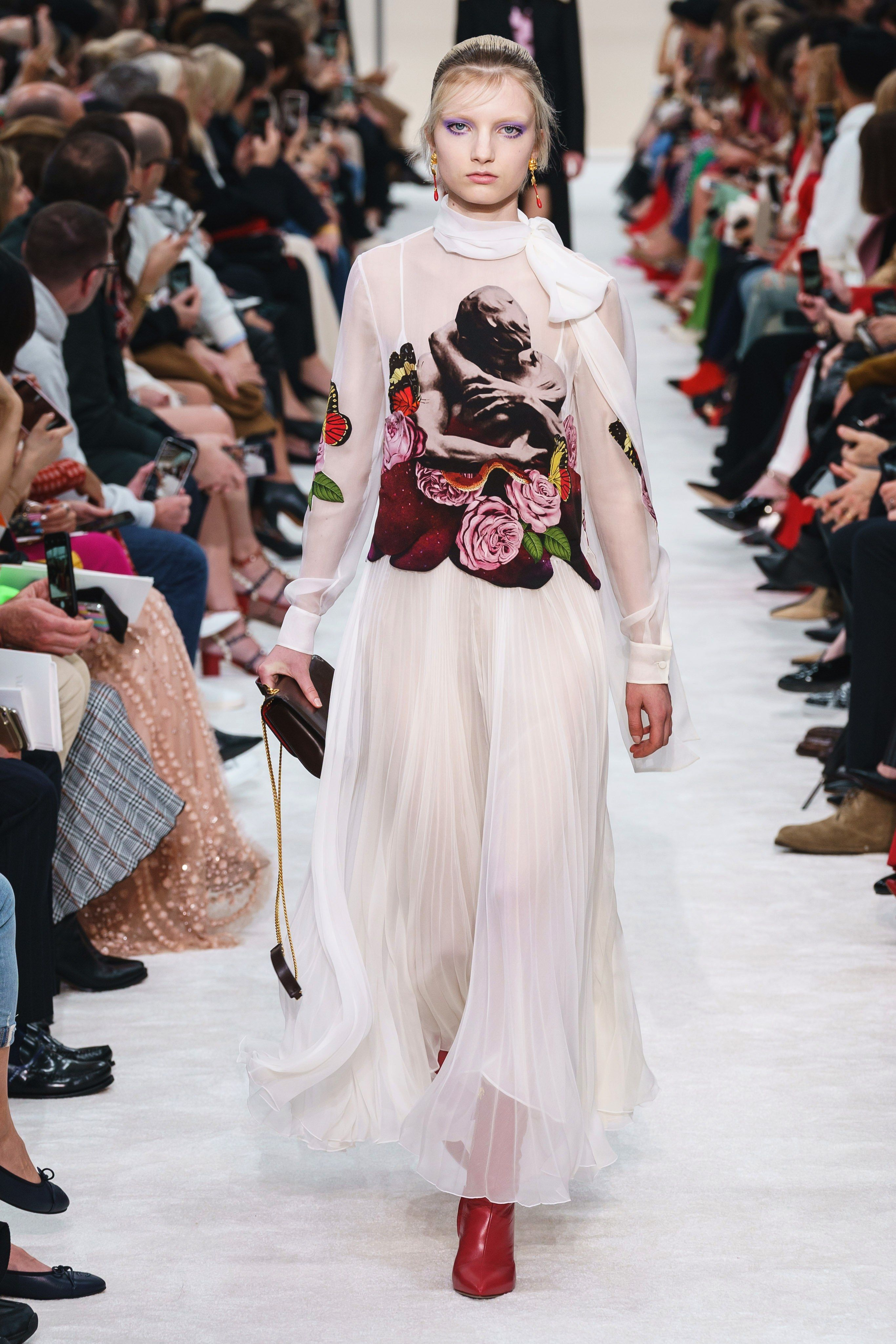 698f4988 Valentino Fall 2019 Ready-to-Wear Fashion Show in 2019 | fw 19 ...