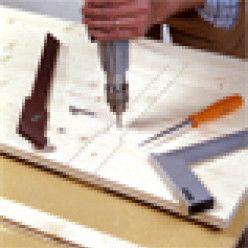 Comment fabriquer des volets battants en bois de sapin ? (avec images)   Volet pliant, Volet ...