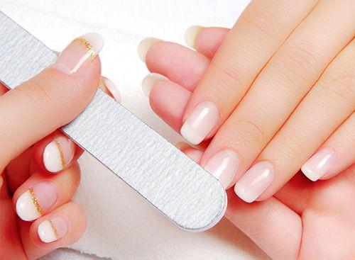 Bảo vệ móng tay khỏe mạnh nhờ đâu