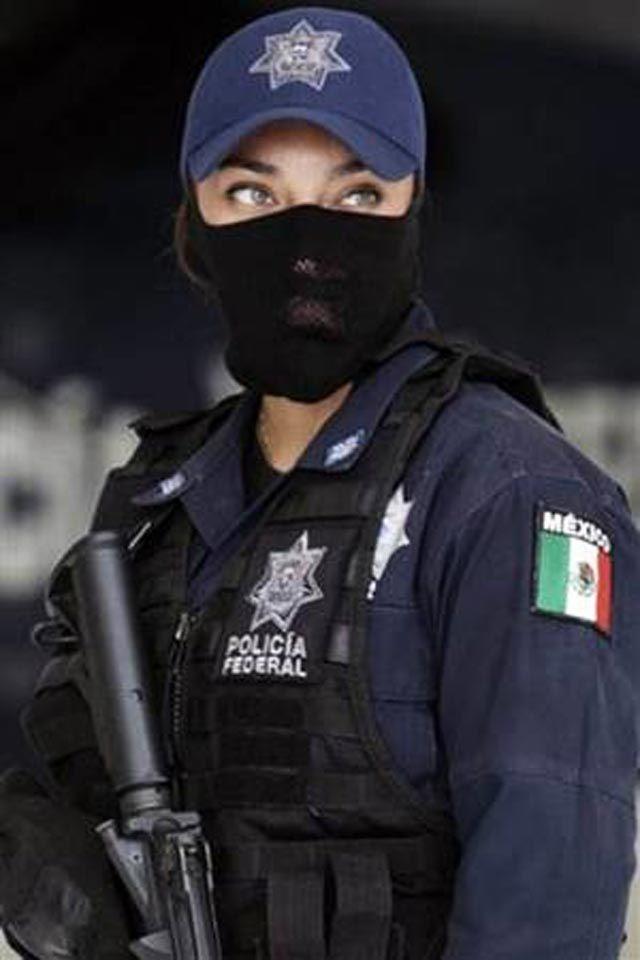 Mujer policia de mexico baila desnuda frente a la camara - 2 6