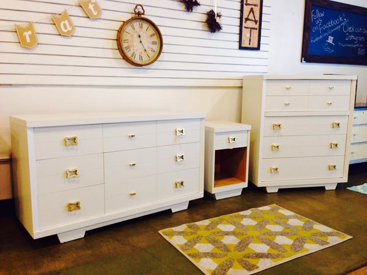 Vintage Bedroom suite painted by The Distressed Gentleman with Sherwin  Williams pro classic Origami White.