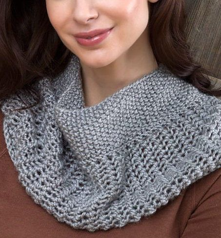 Free Knitting Pattern For Easy Charming Cowl This Easy Lace Cowl