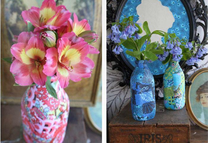 Stoffbeklebte Flaschen als Vasen