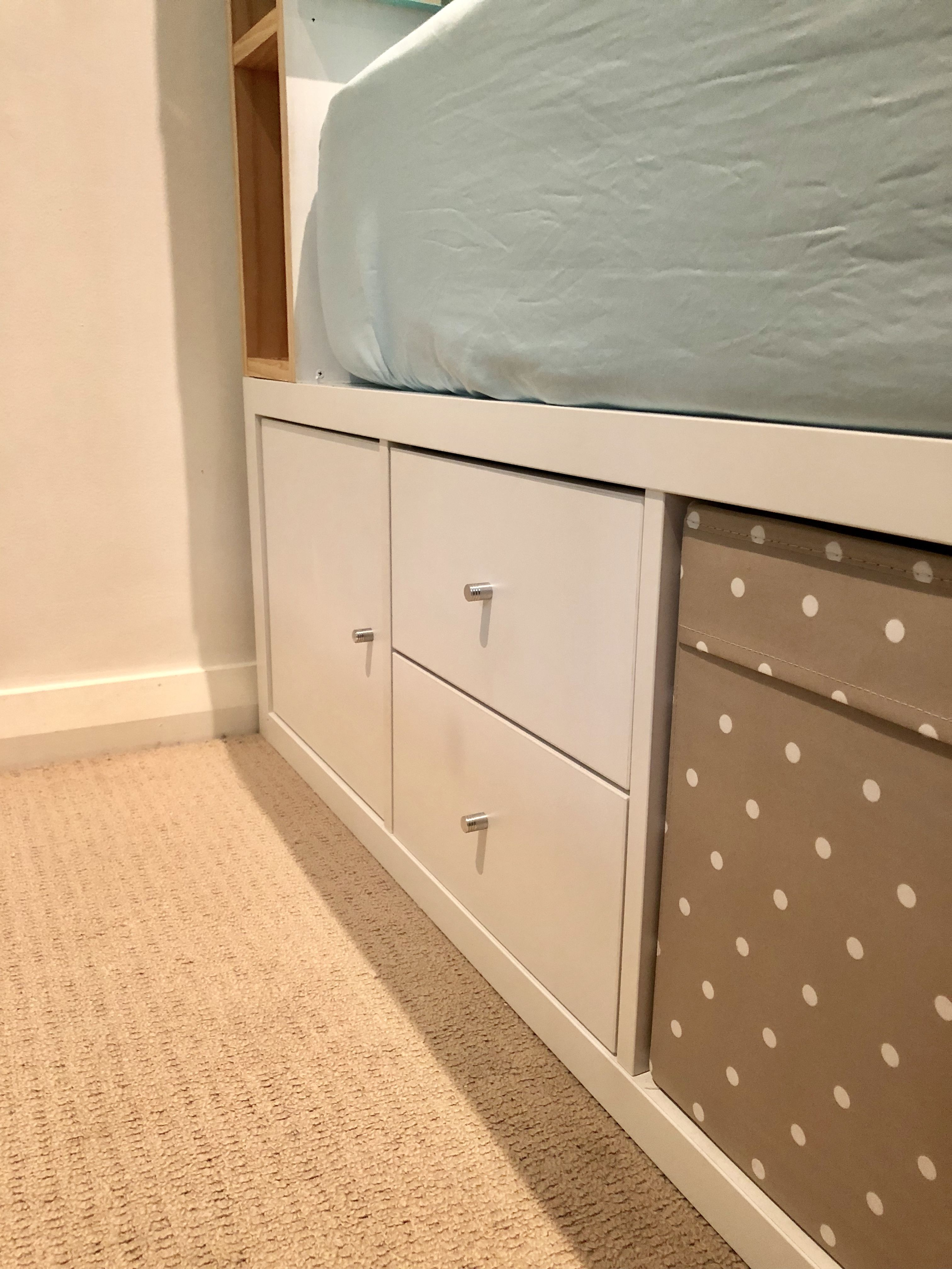 "My IKEA Kallax ""hack"" king size bed frame using 5x 4x1"