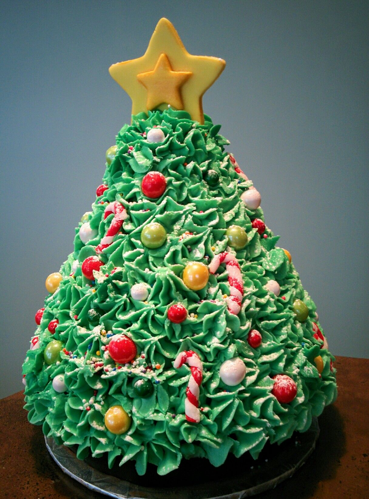 Christmas Tree Cake Using Wilton Wonder Mold Christmas Tree Cake Tree Cakes Christmas Cake