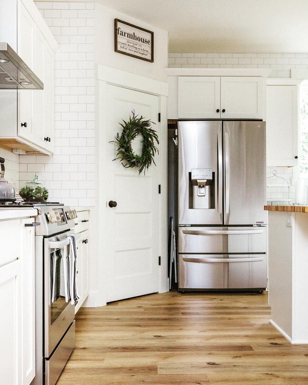 Modern Farmhouse Kitchen with white and white