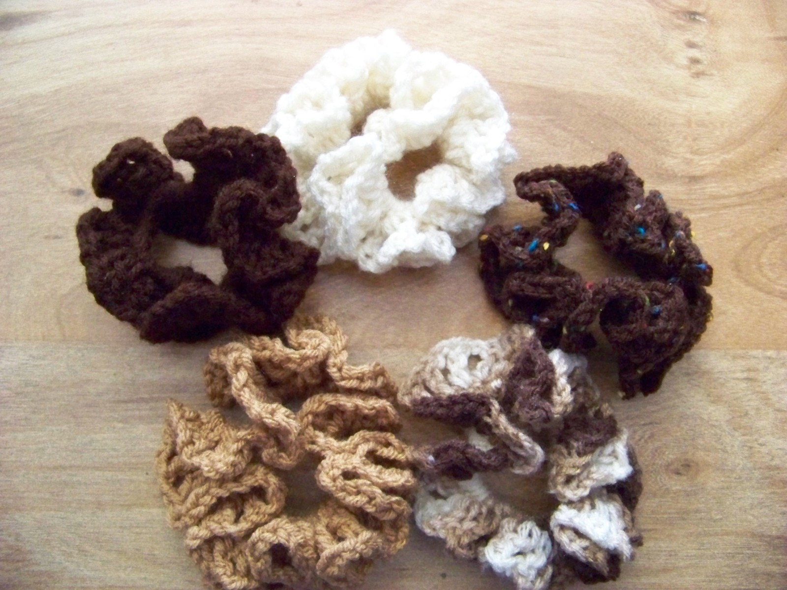 25.00$  Buy now - http://vihfd.justgood.pw/vig/item.php?t=o4vhflr53722 - 5 Hair Scrunches Hand Crocheted Shades of Browns Solids & Multi Colors (#6) 25.00$