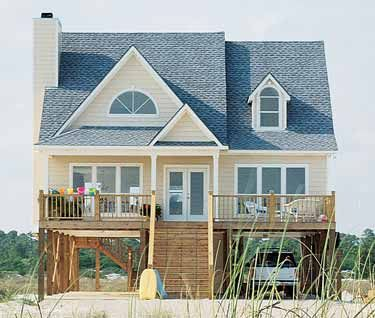 Pin By Merel Smit On Dream Home Small Beach House Plans Beachfront House Small Beach Houses