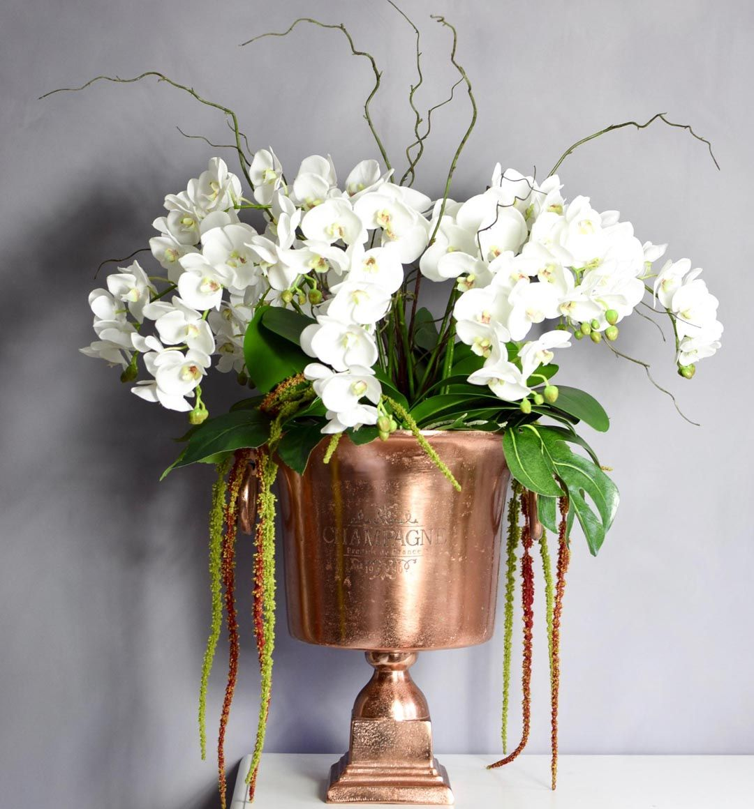 https//www.interflora.co.uk/product/gracefulbeautyvase