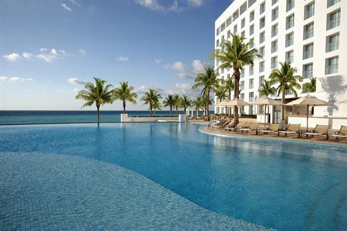 Hotel Deal Checker - Le Blanc Spa Resort Cancun