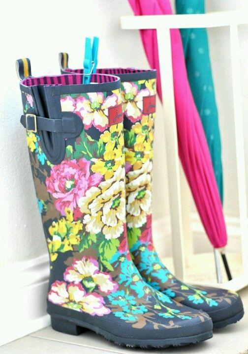 abeae1c2bb12 This with all black   Cute Rain Boots