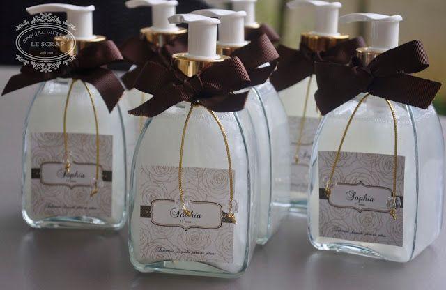 SABONETE LIQUIDO PARA LAVABO MODELO QUARTIER - MATERNIDADE by Gifts for a special Occasion