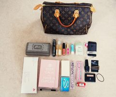 #girl #fashion #makeup #cosmetic #bag
