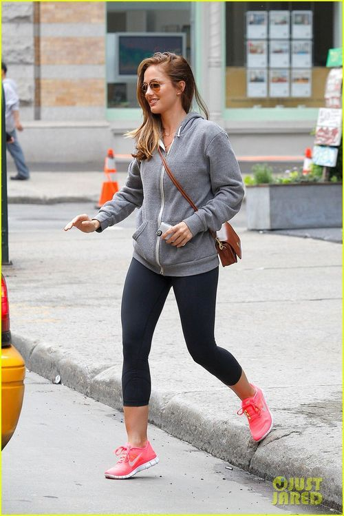 d8ccf8317e73 Celebrity Fashion Find  Actress Minka Kelly s Fluorescent Nike s ...