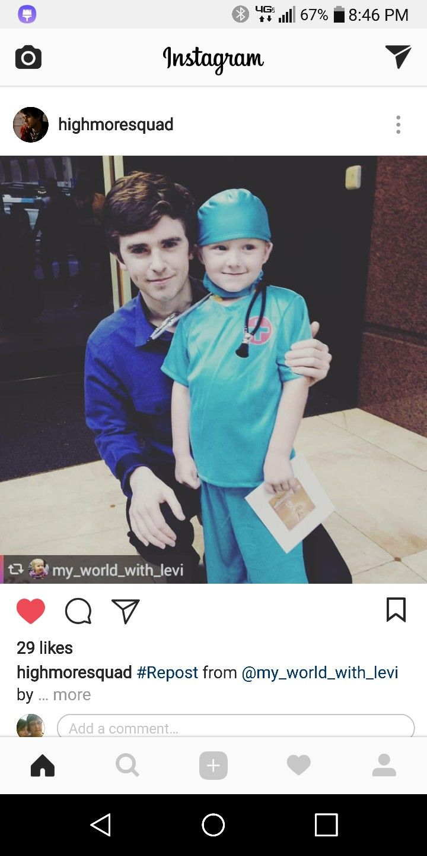 Freddie in Australia with a little fan  | Highmore | Good