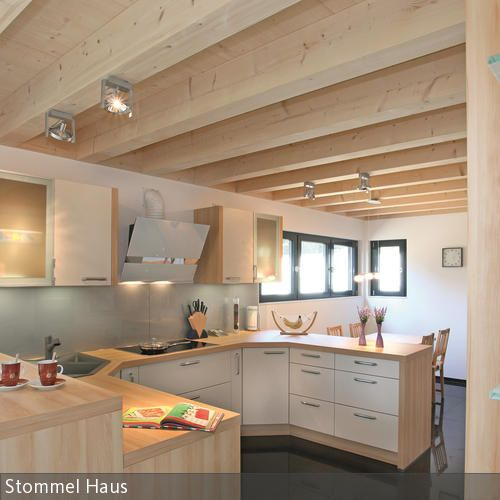 Helle Holzküche Kitchens