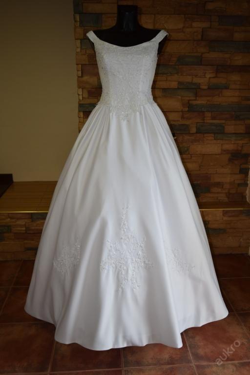 afab79ed3ca7 Svatební šaty - výprodej