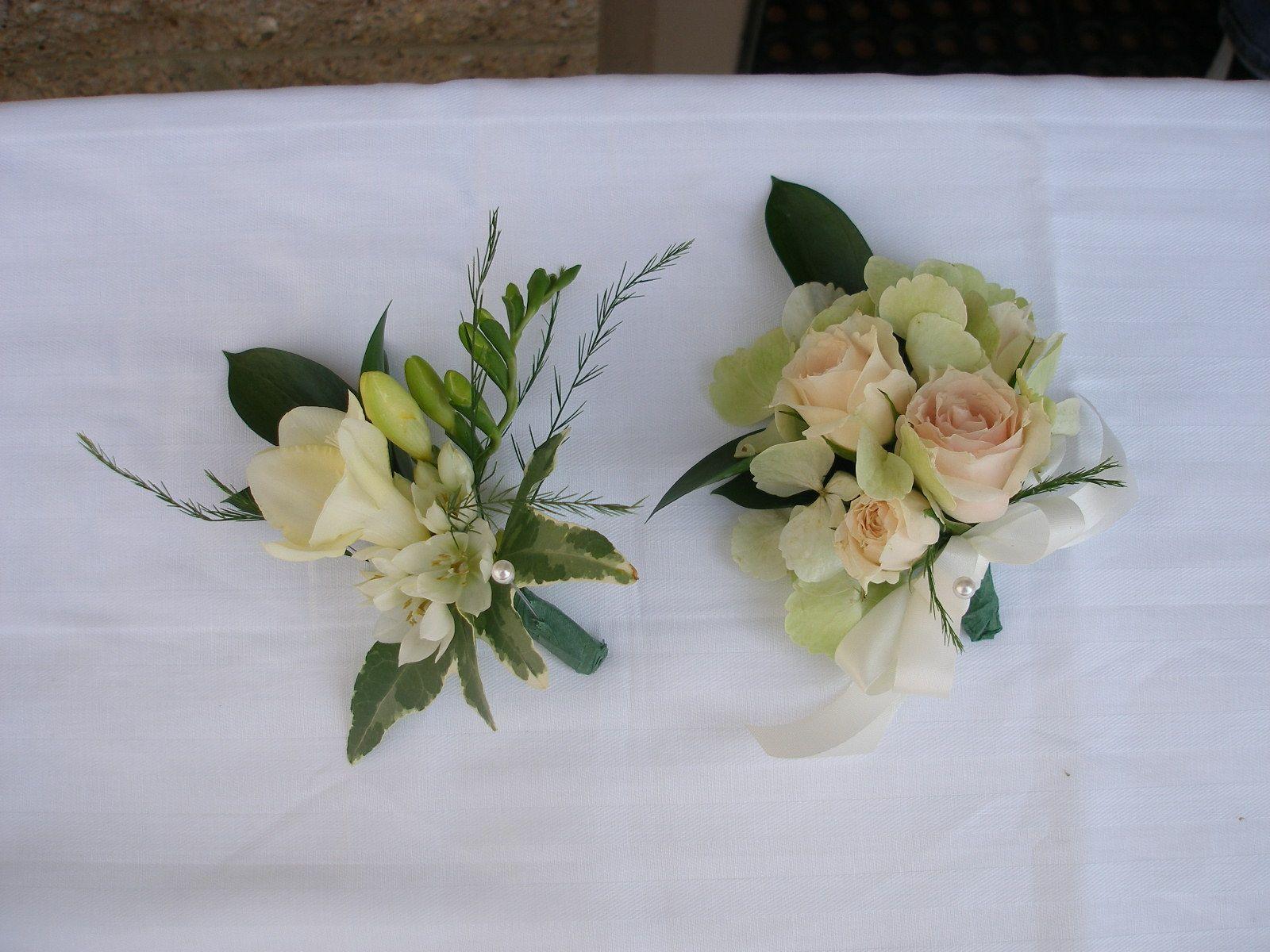 cream rose and freesia