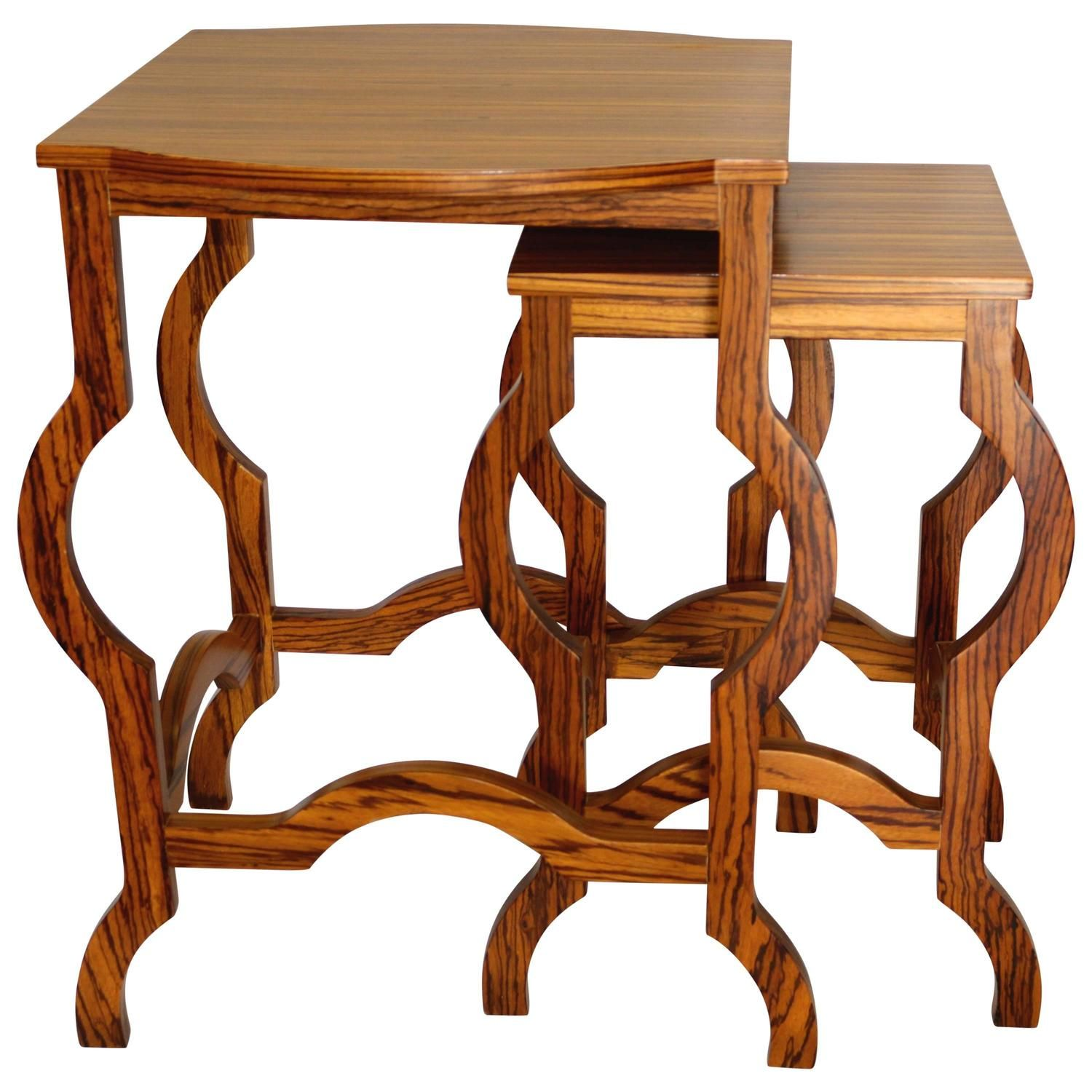 Our nest of table set comes with sleek design and elegant
