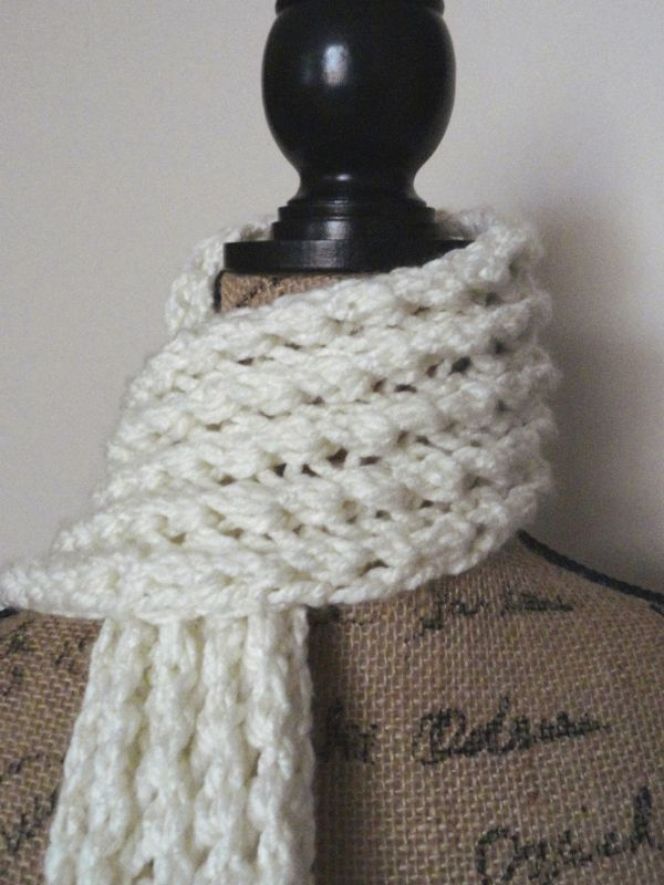 Ribbed Lace Scarf - Purl Avenue...easy, fast 2 row repeat pattern in ...
