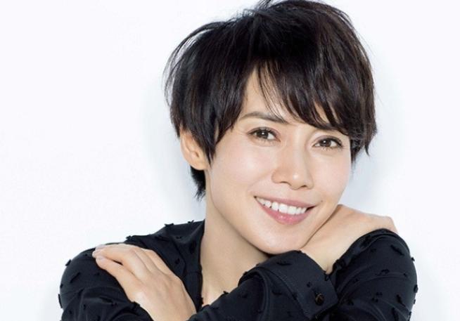 美人女優 中谷美紀さんと言えば 肩につくかつかないかぐらいの