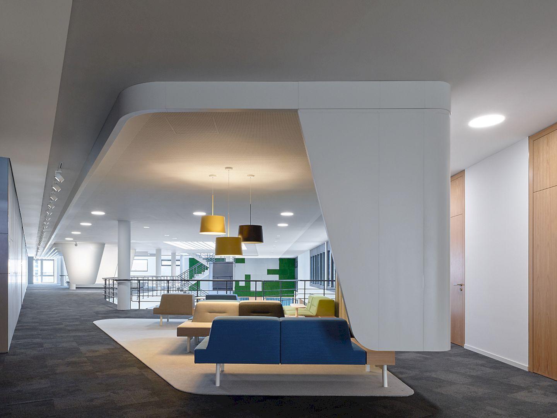 Intern Schulungszentrum Foyer Modern Communicative Space