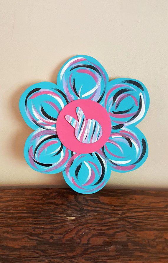 flower door décor, wood door hanger, flower door hanger, peace sign door décor, summer door décor