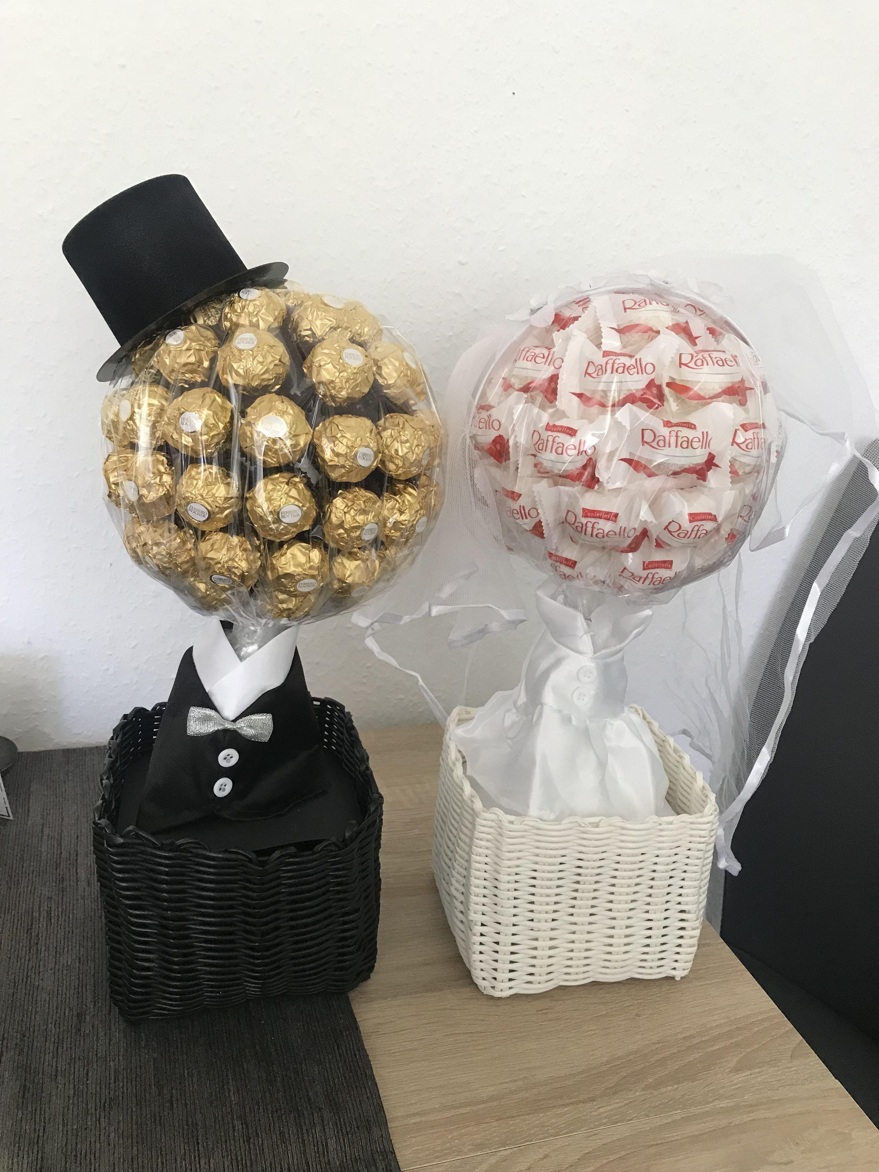 Hochzeits Geschenk Hochzeitsgeschenk Braut Brautigam Rocher Raffaello In 2020 Romantic Wedding Cake Wedding Gifts For Bride Wedding Gifts