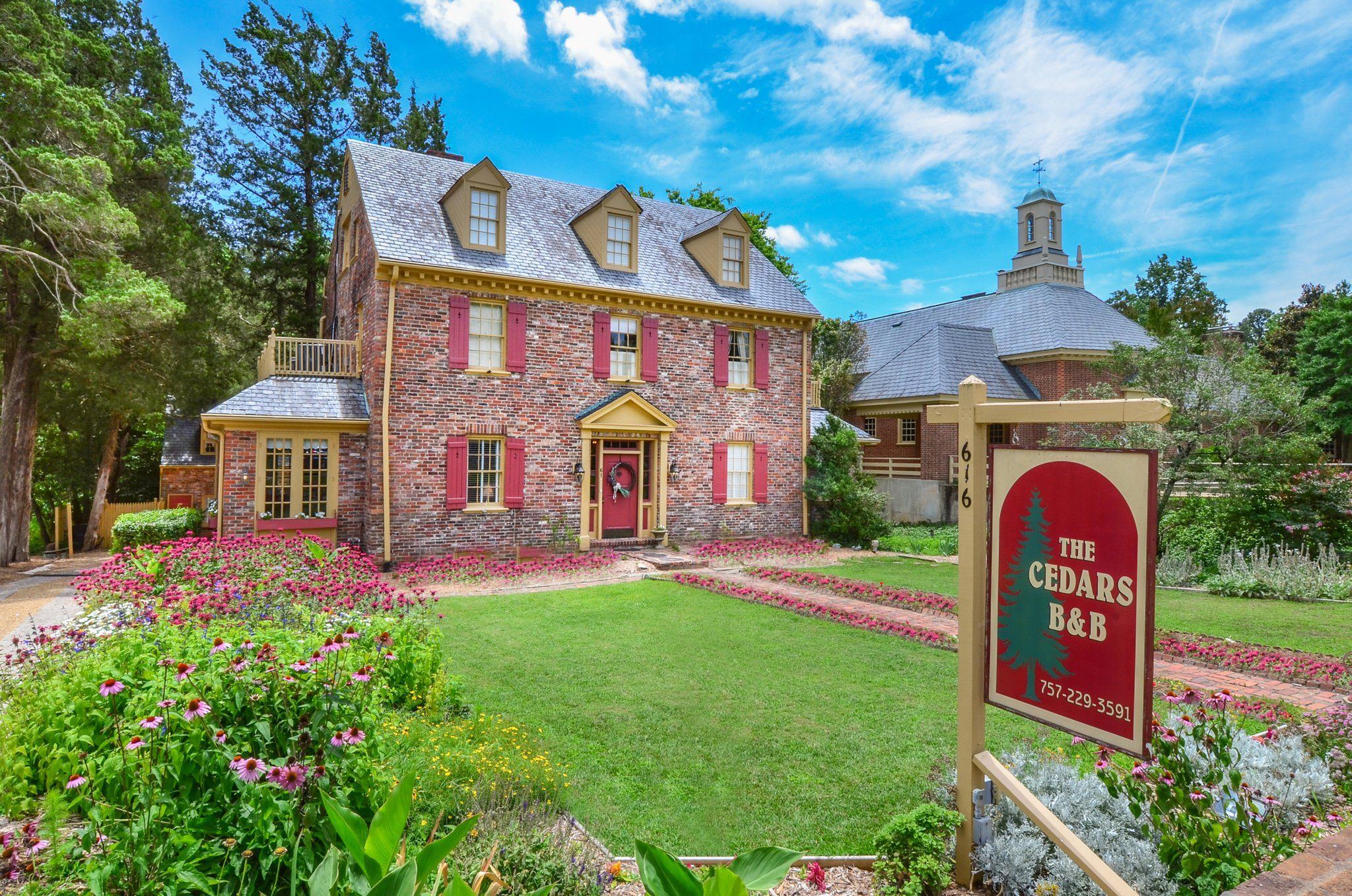 Tour The Inn The Cedars of Williamsburg Bed & Breakfast