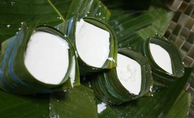 Kesong puti is a fresh, non-aged, soft cheese made from the milk of carabaos or water buffalos. Traditionally wrapped in banana leaves that imparts a fragrant note to the cheese. Perfect when sandwiched in hot pan de sal.