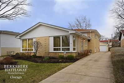 7921 Lyons Street, Morton Grove, IL 60053   MLS#: 10668941
