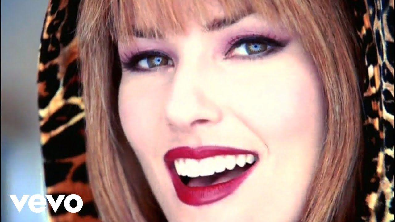 Shania Twain That Don T Impress Me Much Official Music Video Youtube Shania Twain Shania Twain Music Music Videos