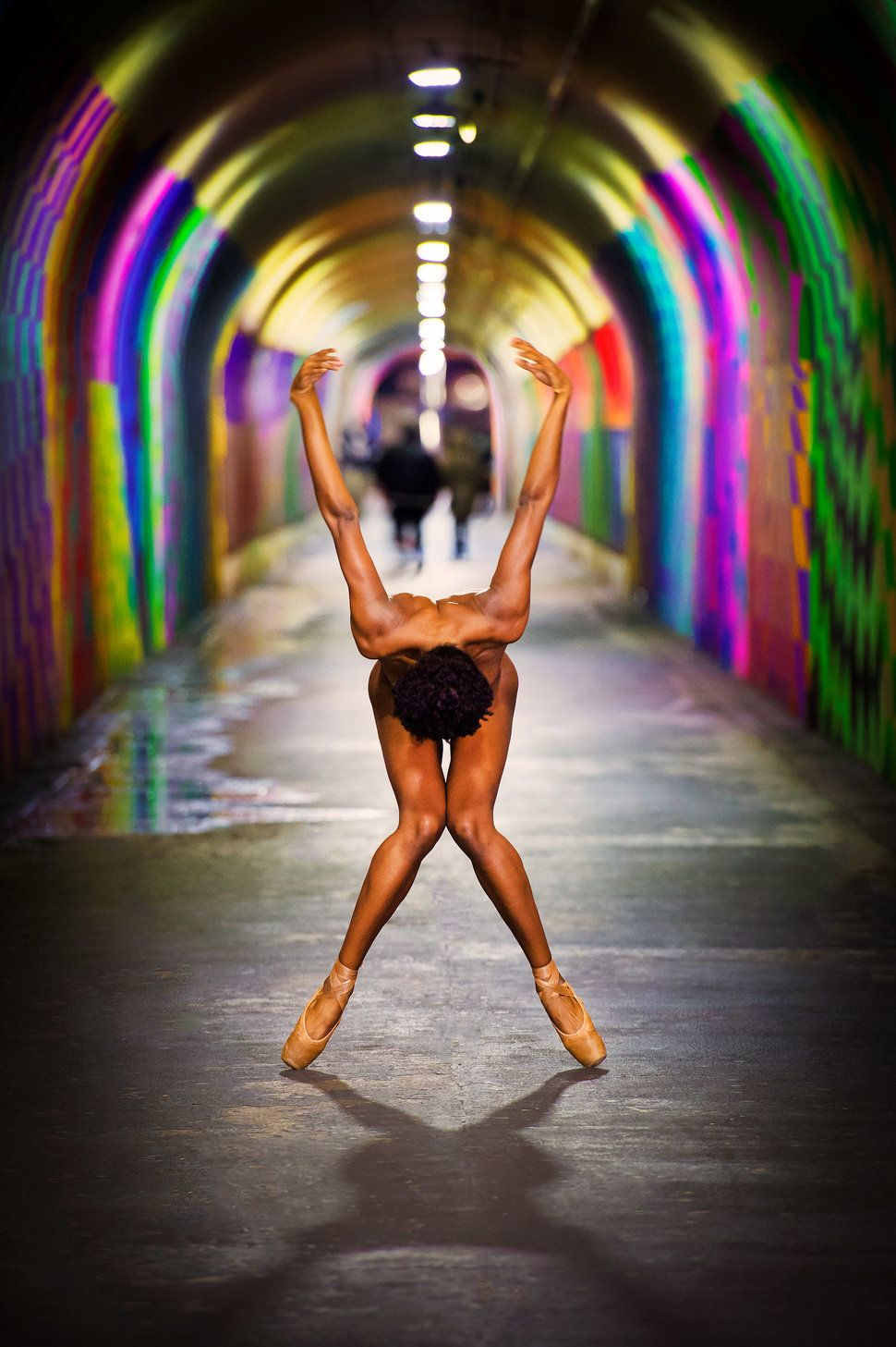 dance naked essay Modern dance essay did you know that dancing is an art form do you know what dance is well here are the three classic forms: ballet, modern, and jazz.