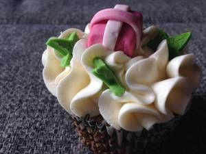 Karácsonyi cupcake dekor készítése, receptekkel