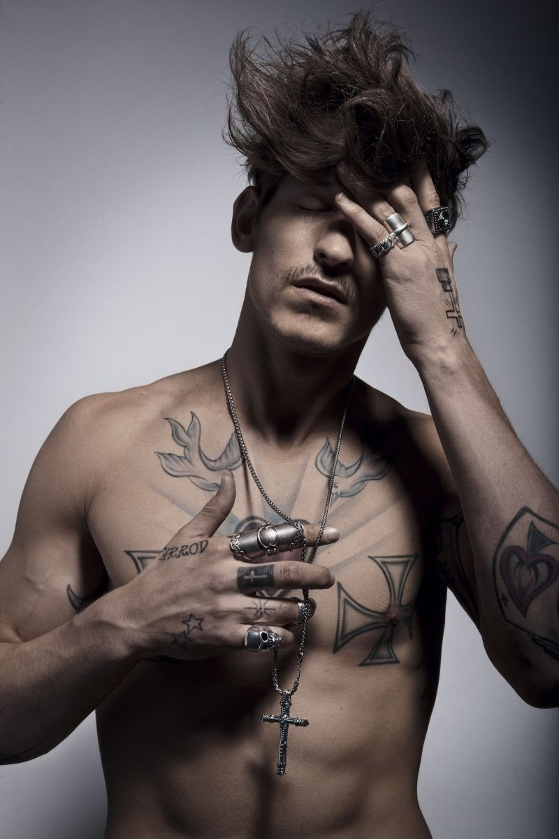 Jarrod Scott Gets Tats for Dressed to Kill
