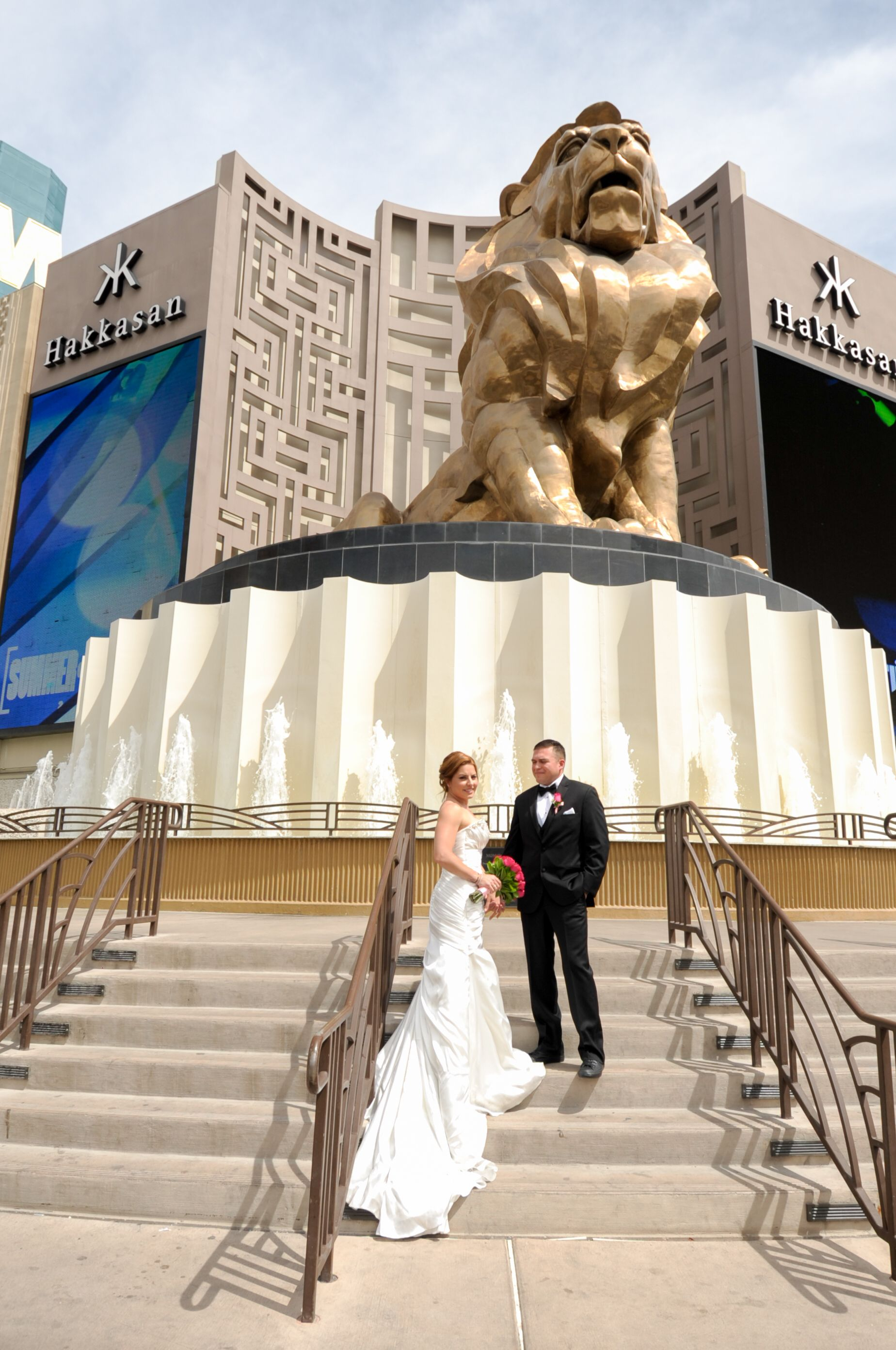 Destination Wedding In Las Vegas Las Vegas Wedding Inspiration Las Vegas Destination Wedding Las Vegas Weddings