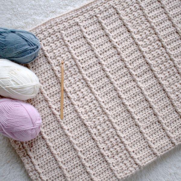 January Snuggles Baby Blanket crochet pattern by Hidden Meadow Crochet