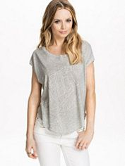 Tops - Women - Online - Nelly.com