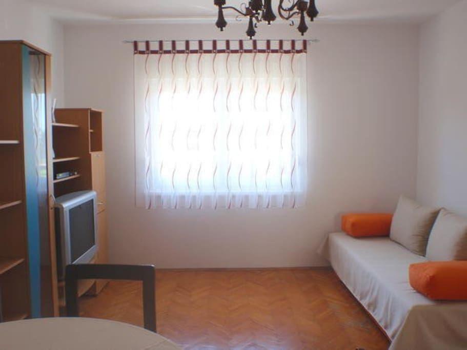 Ampio appartamento vista mare Lino con 3 camere