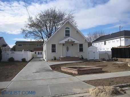 House For Rent in Ripplewater, Massapequa, NY 11758