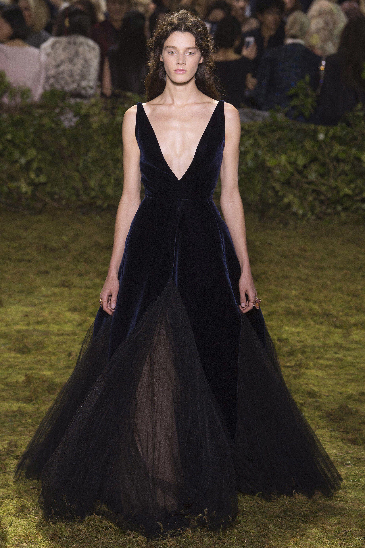Christian Dior Spring 10 Couture Fashion Show  Dior haute
