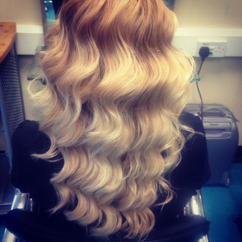 How To Make Natural Looking Hair Waves Using A Wand Curler #Fashion #Beauty #Trusper #Tip