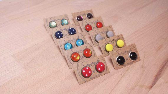 Orecchini a bottone e vetro - orecchini neri - orecchini bordeaux - orecchini gialli - orecchini arancio - orecchini a pois rosso e blu