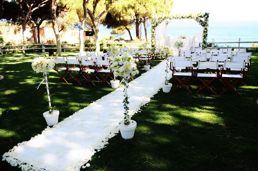 Gorgeous Decoration For Your Wedding Pine Cliffs Resort Wedding Portugal Wedding Wedding Abroad