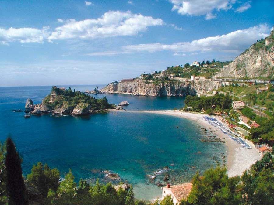 Carabinieri controllano le spiagge di Taormina Spiagge
