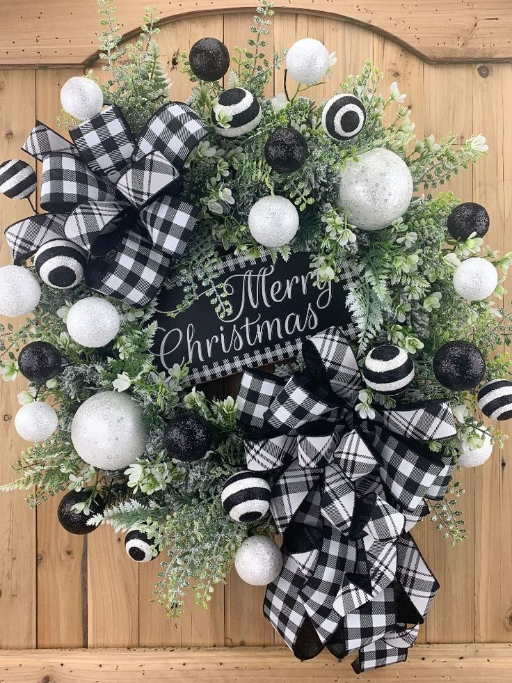 Pin By Tracy Broder On Wreaths Christmas Wreaths Christmas